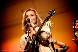 Sierra Hull & Highway 111 - Common Fence Music, Portsmouth RI 11/20/10